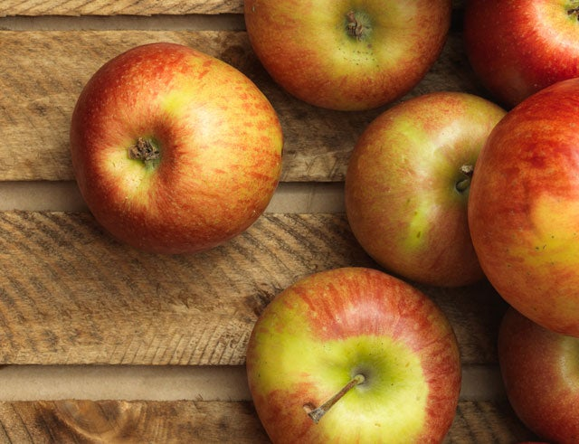 This Healthy Apple Butter Is The Perfect Spread For Fall Meals