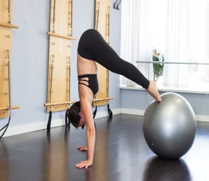 How To Try The Stability Ball Pike