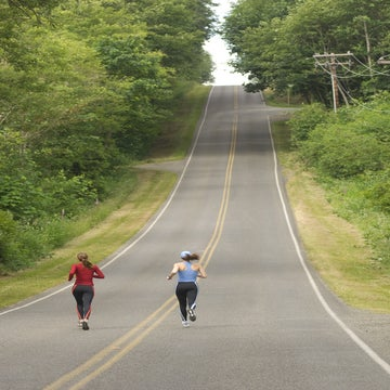 What's The Proper Way To Run Over Hills During Races?