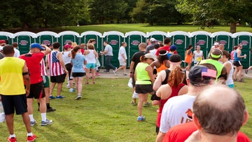 Pre-Race Etiquette: To Wait In Line Or Find A Tree