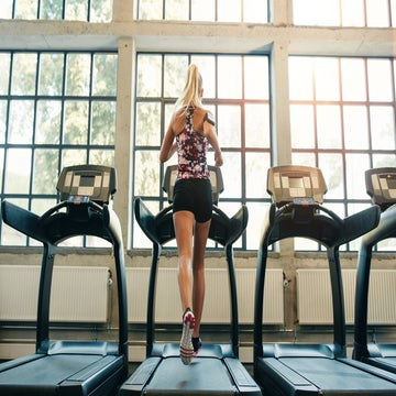 Build Speed In 20 Minutes With A HIIT Treadmill Workout