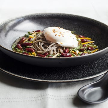 Recipe: Chilled Soba With Spicy Red Beans And Poached Eggs