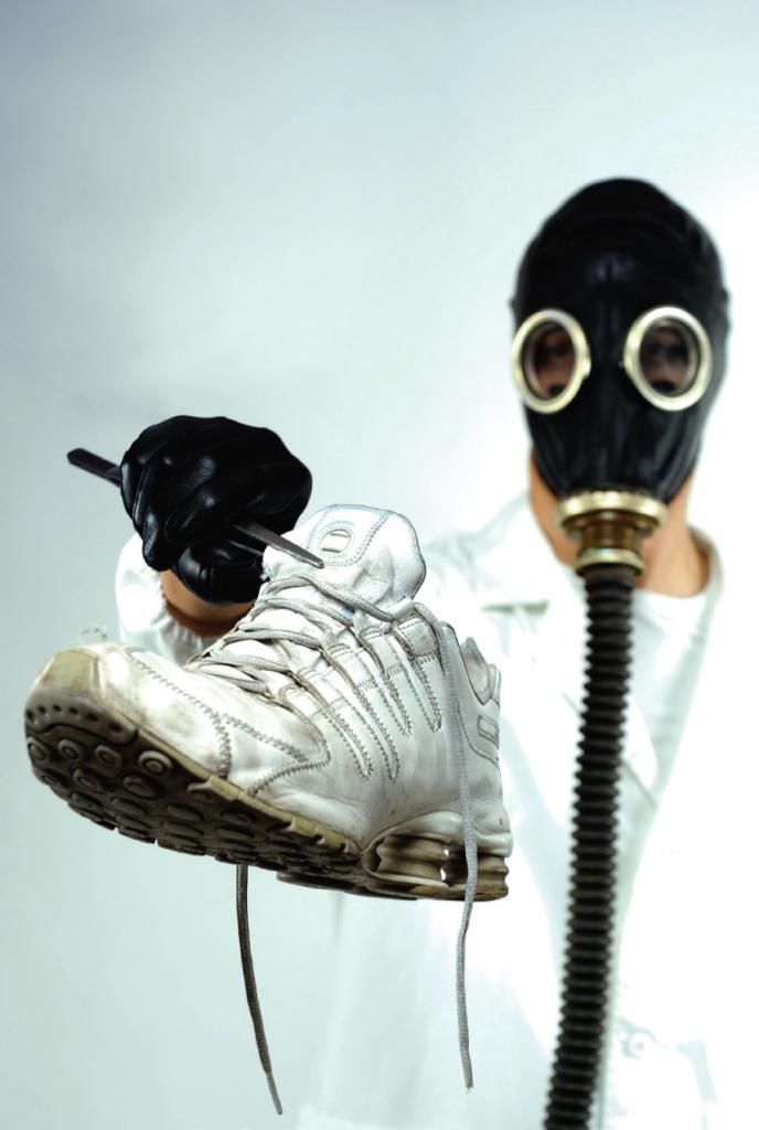 shoes reek