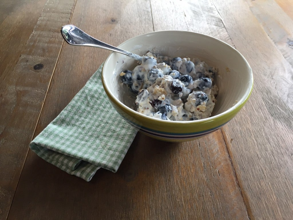 Muesli, yogurt and blueberries