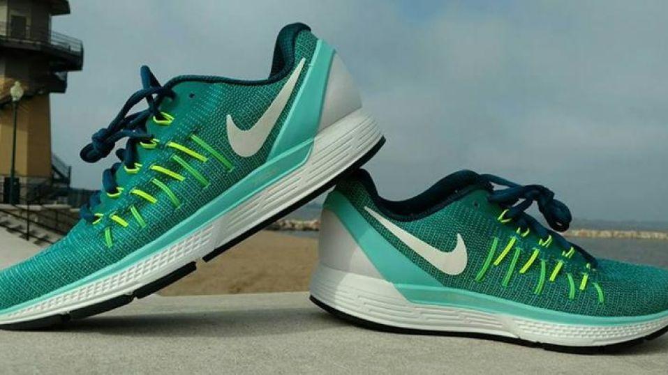 low priced d2467 2b498 Nike Air Zoom Odyssey 2 Versus ASICS Gel-Kayano 23