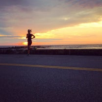 A Mid-Week Long Run Is Possible—Here's How To Do It