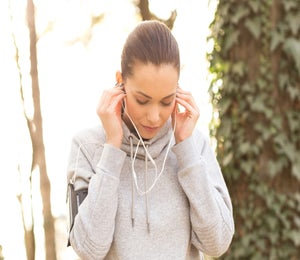 10 Running Podcasts To Entertain You During Long Runs