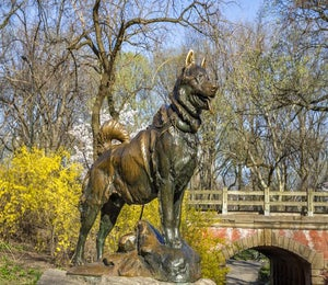 5 Statues To Visit While Running In Central Park