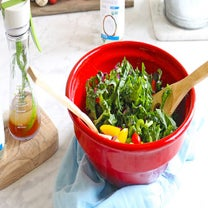A Quick And Easy Salad Dressing Recipe To Make For Holiday Parties