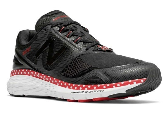 Instrumento ironía maquillaje  Minnie Mouse Shoes Created For Runners By New Balance