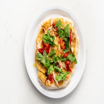 Satisfy Pizza Cravings With This Chicken Hummus Spin