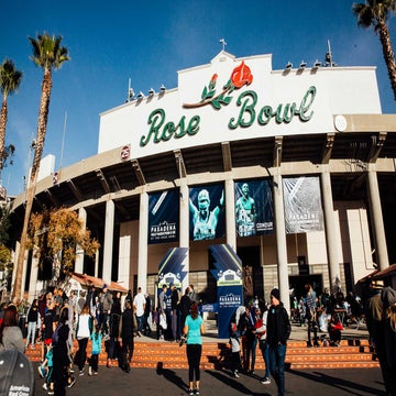 Photos: Racing To The Rose Bowl