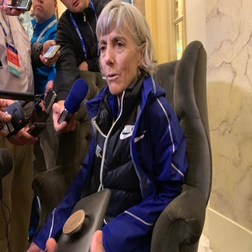 Joan Benoit Samuelson Crushes Boston Marathon in 3:04.00