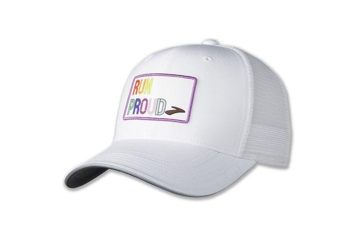 brooks-run-trots-trucker-hoed